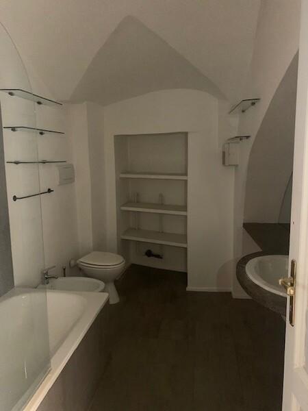 bagno padronale con vasca.jpg